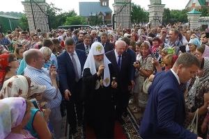Святейший Патриарх Кирилл посетил Александро-Невский храм в селе Большое Сотнико