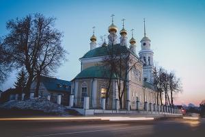 В канун Крестопоклонной недели Владыка Алексий служил в Ахтырском соборе