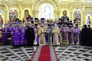 Архиепископ Тихон совершил прощальную службу в островной епархии