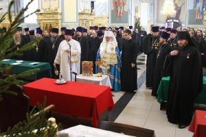 Митрополит Тихон совершил литургию в Смоленском храме и возглавил годовое собрание Орловской епархии