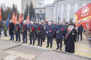 Владыка Тихон почтил память погибших защитников Отечества