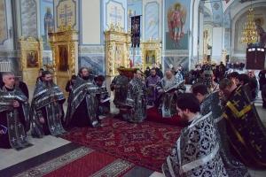 Митрополит Тихон совершил третье богослужение с чином Пассии в 2020 году