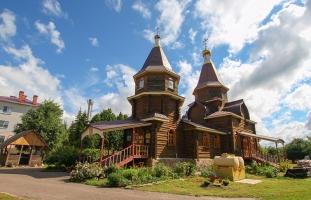 Архипастырь совершил литургию в Казанском храме п. Стрелецкий