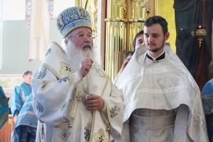 В праздник Смоленской иконы Божией Матери митрополит Тихон совершил иерейскую хиротонию