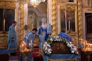 Архипастырь совершил утреню с чтением Акафиста Пресвятой Богородице в Ахтырском соборе