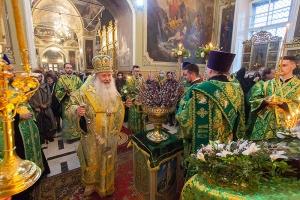 В канун праздника Входа Господня в Иерусалим Архипастырь служил в Ахтырском соборе