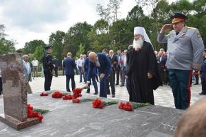 Владыка Тихон освятил основание мемориальной часовни в парке Победы