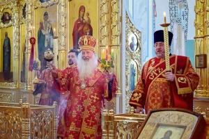Владыка Тихон свершил пасхальное богослужение в Смоленском храме