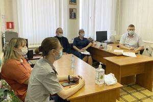 «Родительский день»: священник Сергий Крючков напомнил несовершеннолетним осужденным и их родителям о соблюдении христианских заповедей и ценностях семьи