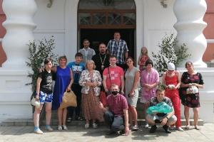 Подопечные отделения соцреабилитации для инвалидов побывали в Смоленском храме