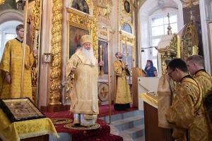 В канун Недели Всех святых митрополит Тихон совершил богослужение в Ахтырском соборе