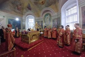 В канун Недели 6-й по Пасхе Архипастырь совершил богослужение в Ахтырском соборе