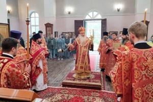 В день отдания Пасхи Владыка Тихон совершил Литургию в монастыре святого Кукши