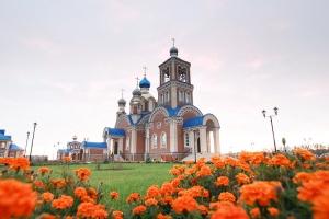 Архипастырь совершил великое освящение храма в подсобном хозяйстве «Орловский Колос»