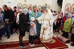 Митрополит Тихон совершил богослужение в храме святой Матроны Московской в канун Недели 11-й по Пятидесятнице
