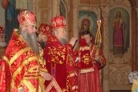 Престольный праздник Михаило-Архангельского храма, 21 ноября 2004.