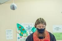 Духовник гимназии протоиерей Николай Евдокимов посетил врачей COVID-отделения Кромской ЦРБ. 29 декабря 2020 г.
