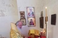 Митрополит Орловский и Болховский Тихон совершил Литургию и освятил новую колокольню и купель в храме Николая Чудотворца с. Борилово Болховского района. 7 марта 2021 г.