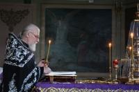 В канун Великой среды митрополит Орловский и Болховский Тихон молился за вечерним богослужением в Ахтырском кафедральном соборе Орла. 27 апреля 2021 г.