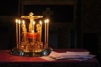 В канун субботы 3-й седмицы Великого поста митрополит Орловский и Болховский Тихон совершил в Воскресенском храме Орла особое заупокойное богослужение — парастас. 2 апреля 2021 г.
