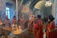 В канун пятницы Светлой седмицы митрополит Орловский и Болховский Тихон совершил пасхальное богослужение в Свято-Троицком храме Мценска. 6 мая 2021 г.
