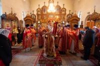 В субботу Светлой седмицы митрополит Орловский и Болховский Тихон совершил Литургию в Воскресенском храме на Афанасьевском кладбище Орла. 8 мая 2021 г.