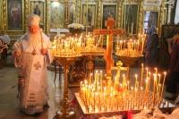В канун Троицкой родительской субботы митрополит Орловский и Болховский Тихон совершил заупокойное вечернее богослужение в Свято-Иоанно-Крестительском храме Орла. 18 июня 2021 г.