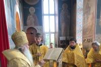 В Неделю 1-ю по Пятидесятнице, Всех святых, митрополит Орловский и Болховский Тихон совершил Литургию в Свято-Успенском монастыре Орла. 27 июня 2021 г.