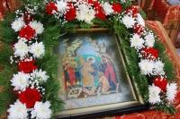 В Неделю 14-ю по Пятидесятнице митрополит Орловский и Болховский Тихон совершил Божественную литургию в храме Воскресения Словущего в селе Ретяжи Кромского района. 26 сентября 2021 г.