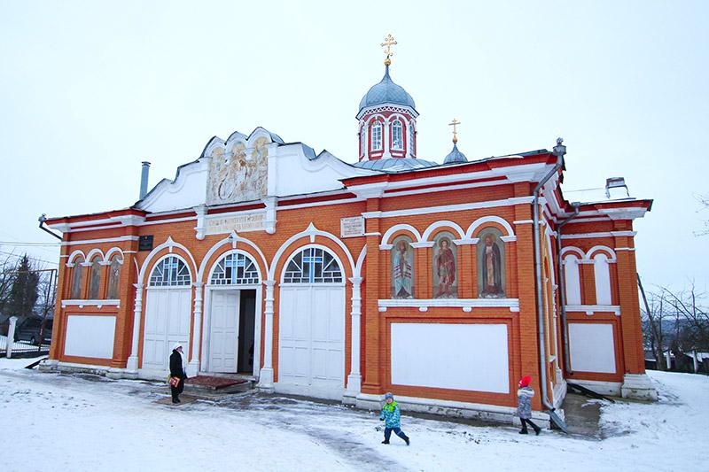 Владыка Тихон поздравил прихожан храма в честь Рождества Христова города Болхова с престольным праздником