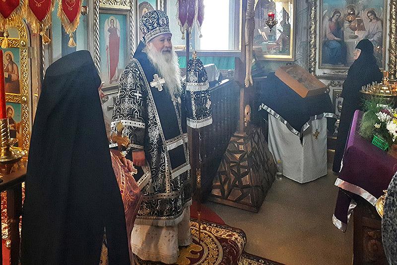 В день памяти 40 мучеников Севастийских Владыка Тихон совершил Литургию в селе Путимец