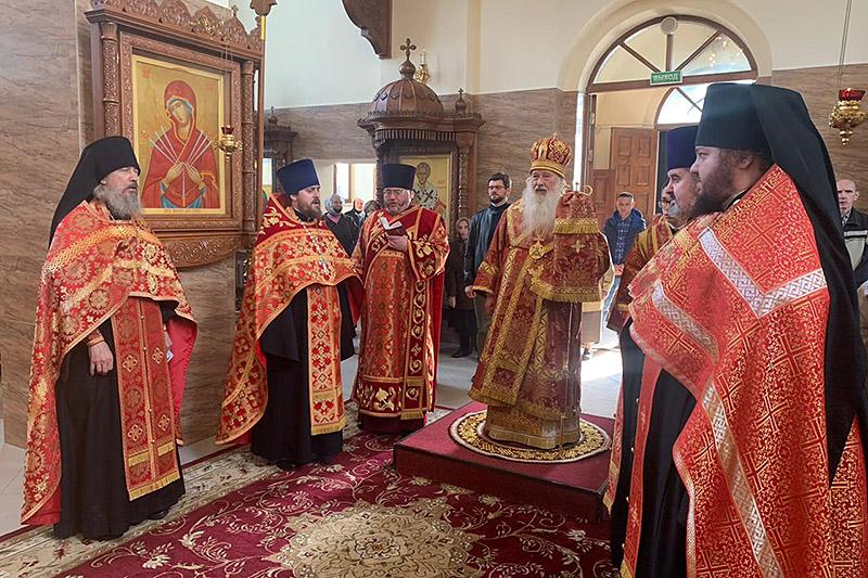 В канун Недели 3-й по Пасхе митрополит Тихон совершил богослужение в Свято-Успенском монастыре