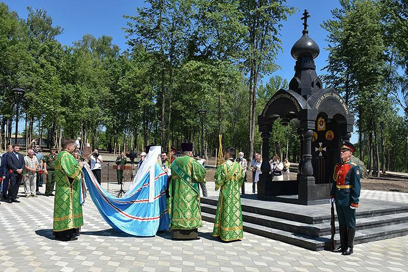 Митрополит Тихон освятил мемориальную часовню святого Александра Невского в парке Победы в Орле