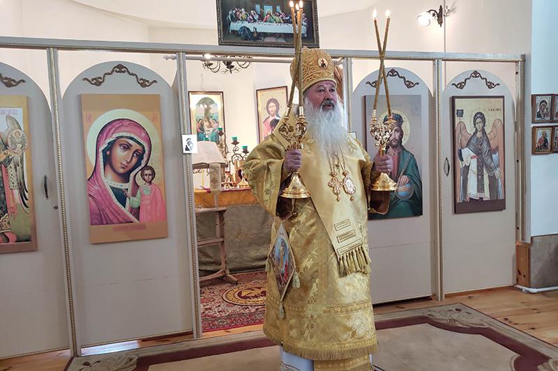 Владыка Тихон возглавил Воскресное богослужение в селе Троицкое Орловского района