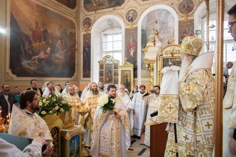 В день своего тезоименитства митрополит Тихон служил в Ахтырском соборе